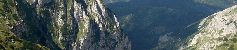 mountains-2601679_1280